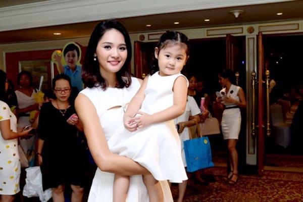 Cuộc sống của hoa hậu Việt duy nhất khiến H'Hen Niê lép vế-7
