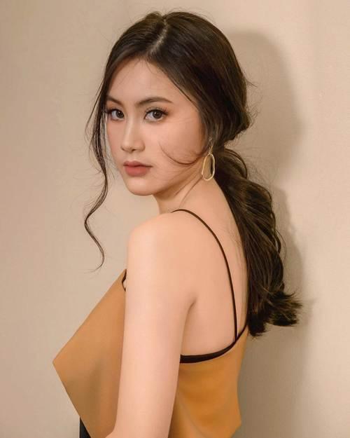 Chân dung nàng hot girl Lào gốc Việt nổi tiếng xinh đẹp-2