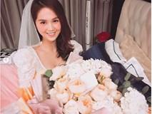 Ngọc Trinh khoe quà Valentine lãng mạn và cách gọi người yêu khiến fan hâm mộ không khỏi bất ngờ