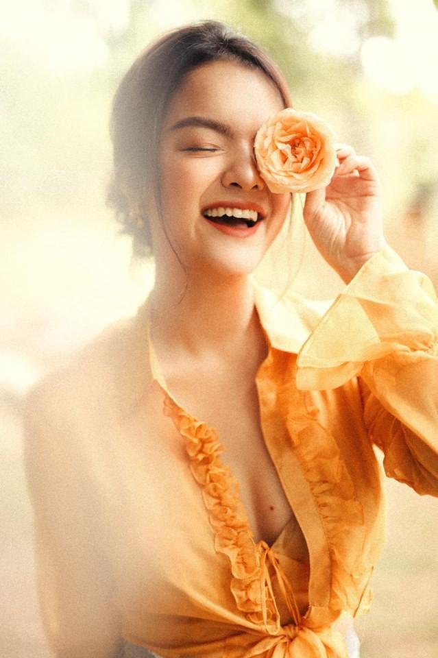 Sau ly hôn, Phạm Quỳnh Anh ngày càng đẹp và gợi cảm-4