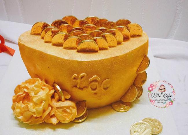"""Phát sốt với bánh vàng"""" ngày Thần Tài, 2 ngày bán hơn 6000 chiếc-11"""