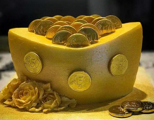 """Phát sốt với bánh vàng"""" ngày Thần Tài, 2 ngày bán hơn 6000 chiếc-12"""