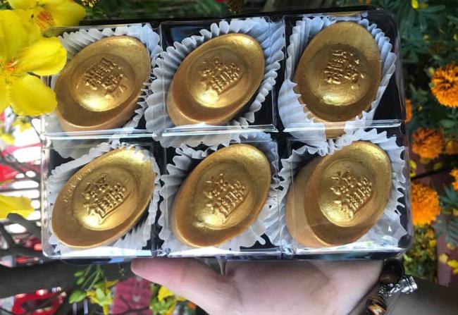 """Phát sốt với bánh vàng"""" ngày Thần Tài, 2 ngày bán hơn 6000 chiếc-14"""