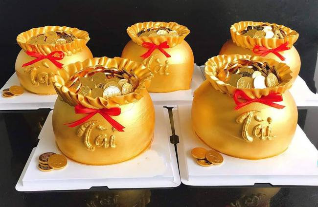 """Phát sốt với bánh vàng"""" ngày Thần Tài, 2 ngày bán hơn 6000 chiếc-3"""