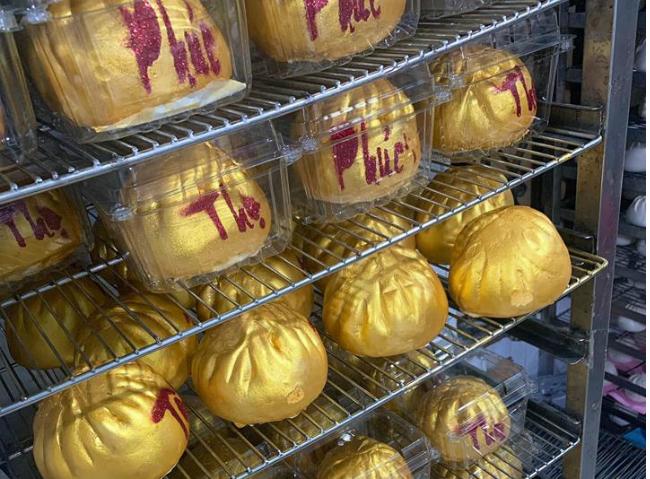 """Phát sốt với bánh vàng"""" ngày Thần Tài, 2 ngày bán hơn 6000 chiếc-8"""