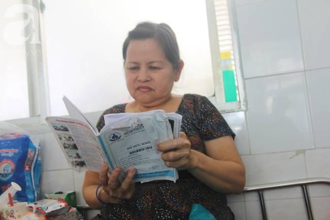 Ánh mắt cầu cứu của bé trai 7 tháng tuổi bị mẹ bỏ rơi trước cổng chùa vì mắc bệnh bại não-4