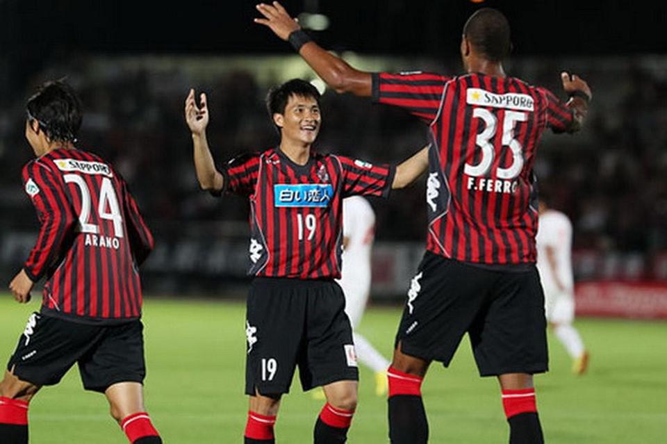 Bao nhiêu cầu thủ Việt Nam từng chơi bóng tại nước ngoài?-5