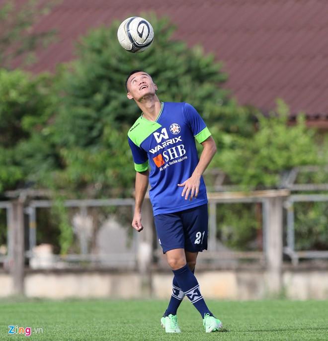 Bao nhiêu cầu thủ Việt Nam từng chơi bóng tại nước ngoài?-6