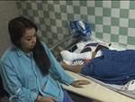 Chuyên cơ chở Việt kiều bị tạt axit sang Thái Lan điều trị-3