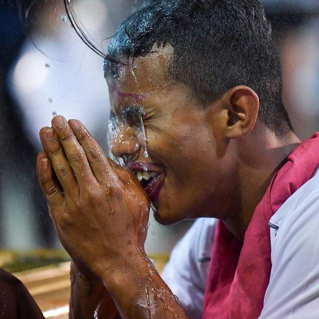 Xuân Trường ăn diện sặc sỡ trong đêm tiệc của Buriram United-11