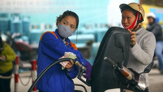 Giá xăng dầu đứng yên lần thứ 3 liên tiếp-1