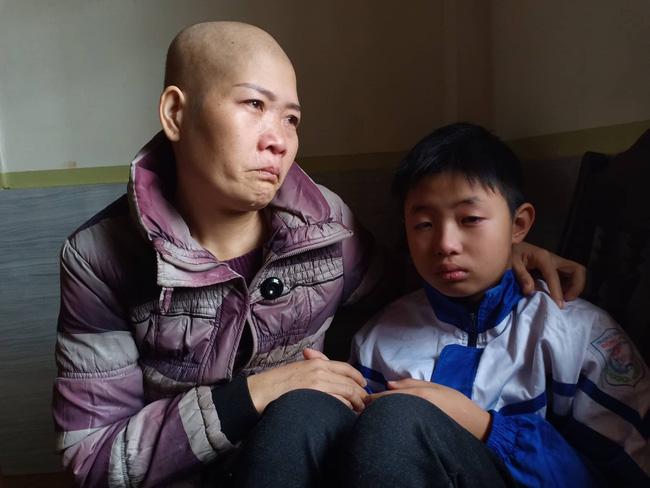 """Lời khẩn cầu của đứa trẻ mồ côi cha, mẹ mắc bệnh hiểm nghèo: Cháu đã mồ côi bố, nếu mẹ mà chết thì cháu biết sống với ai?""""-2"""