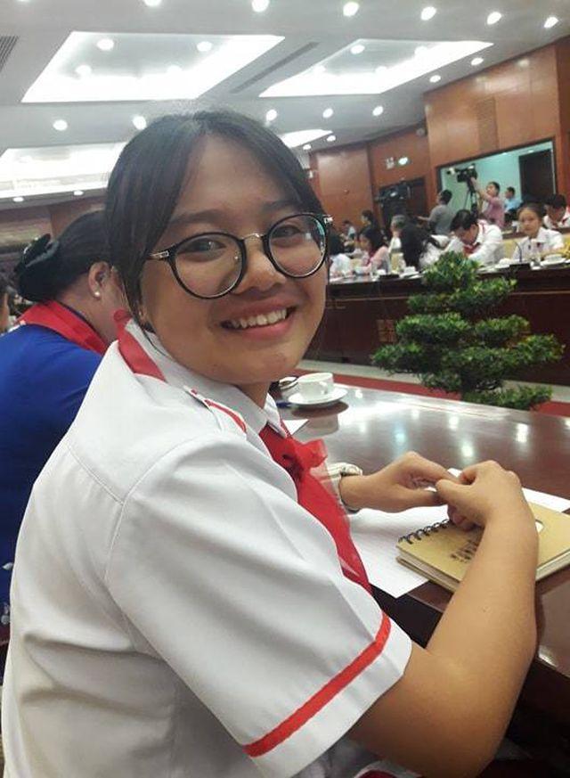 """Học sinh TPHCM xin"""" giảm áp lực cho thầy cô-4"""