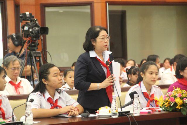 """Học sinh TPHCM xin"""" giảm áp lực cho thầy cô-5"""