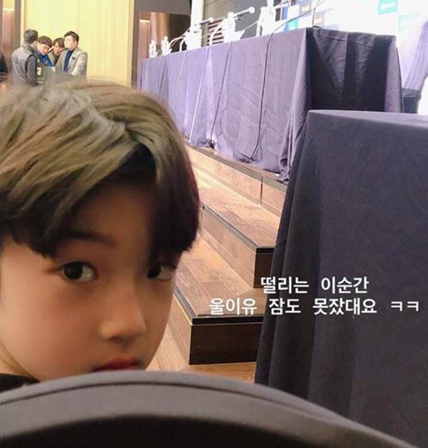 Danh tính bất ngờ của cậu bé tặng hoa Công Phượng, thân thiết bên HLV Park Hang Seo ở Hàn-5