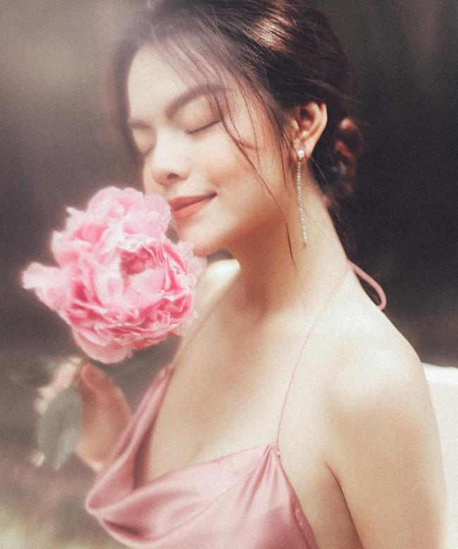 Cô gái 17 tuổi của Ưng Hoàng Phúc ngày càng đẹp, gợi cảm-4