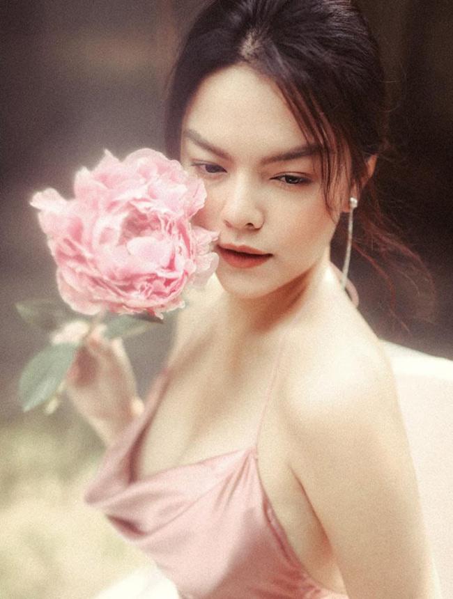 Cô gái 17 tuổi của Ưng Hoàng Phúc ngày càng đẹp, gợi cảm-5
