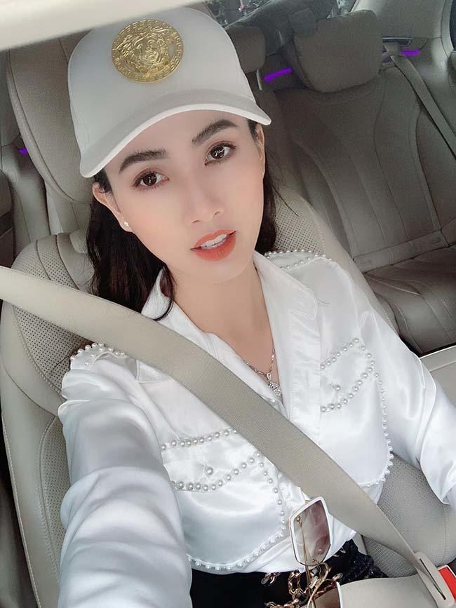 Hoa hậu vừa được bạn trai về tận quê Tiền Giang tặng nhẫn 5,5 tỷ giàu cỡ nào?-4