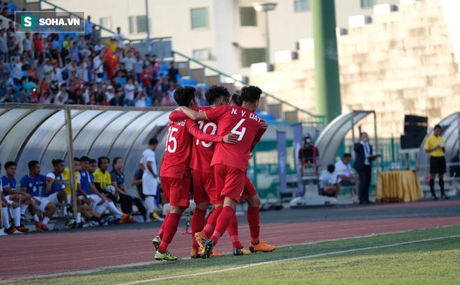U22 Việt Nam bị ném đá vì màn trình diễn trước đội nghiệp dư Philippines-1
