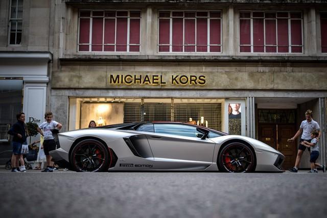 Lời trần tình của nhân viên bán Lamborghini: Đừng đuổi một cậu bé 19 tuổi ra khỏi showroom-4