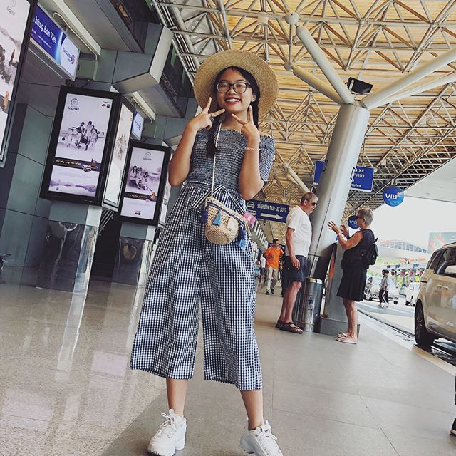 Phong cách ra phố sành điệu của Phương Mỹ Chi với short ngắn, quần rách te tua-5