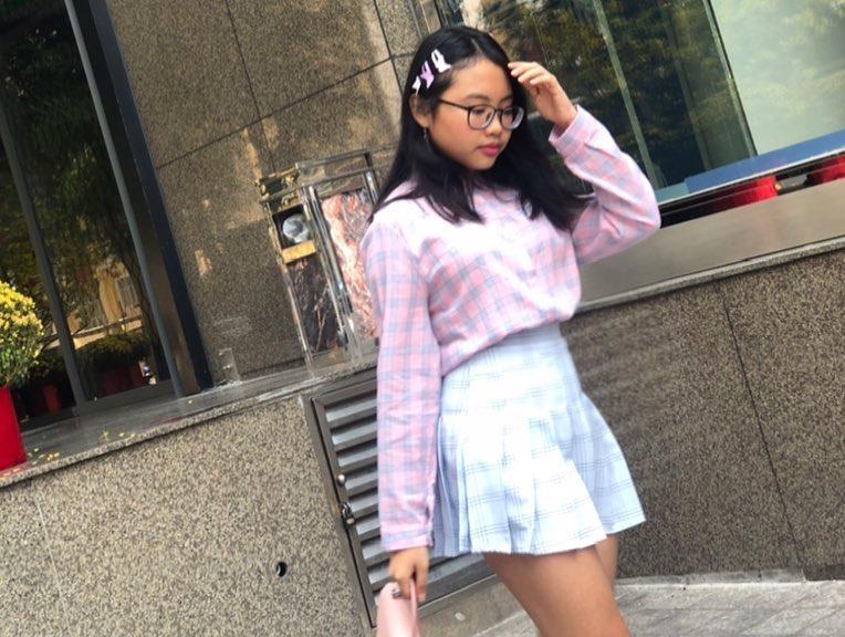 Phong cách ra phố sành điệu của Phương Mỹ Chi với short ngắn, quần rách te tua-8