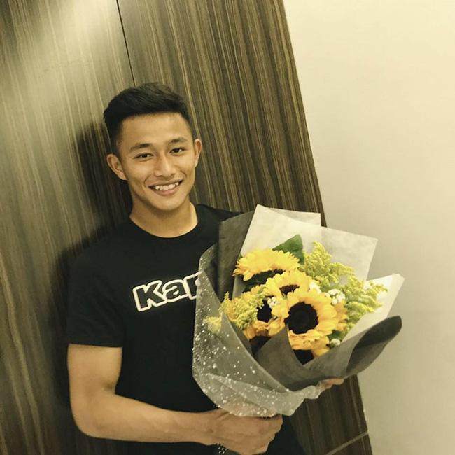 Thủ môn đẹp trai của tuyển U22 Việt Nam hóa ra là người yêu một thời của Yến Xuân - bạn gái Lâm Tây-2