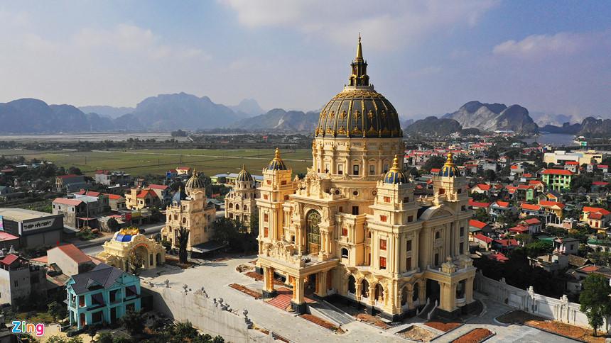 Lâu đài hoành tráng như trong truyện cổ tích của đại gia Ninh Bình-3