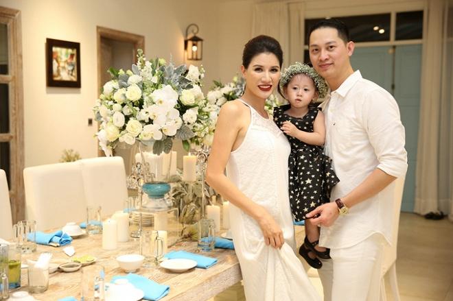 Ngày sinh nhật được chồng tặng hẳn cọc tiền USD, Trang Trần lại bật khóc vì... ức-5