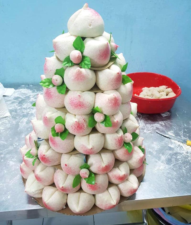 Sáng rằm tháng Giêng, dâng ông bà 100 cái bánh bao đào tiên hồng rực-2