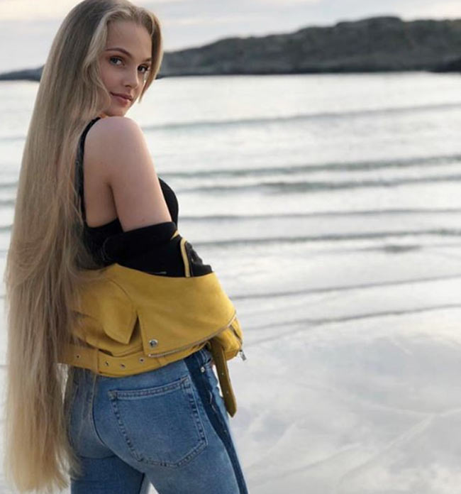 2 cô gái đẹp châu Âu mái tóc thác nước khiến người gặp, người yêu-2