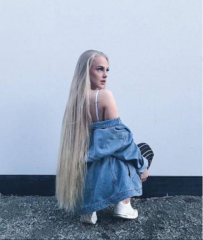 2 cô gái đẹp châu Âu mái tóc thác nước khiến người gặp, người yêu-5