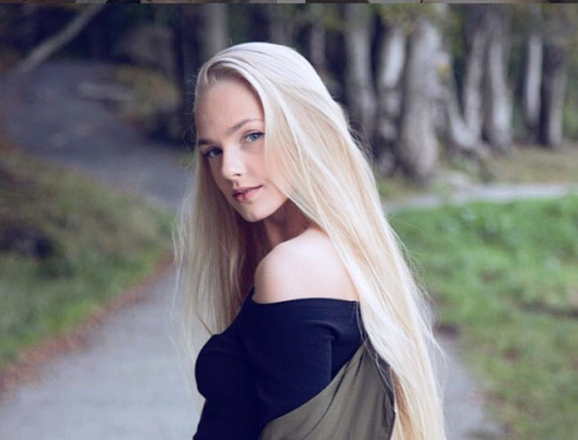 2 cô gái đẹp châu Âu mái tóc thác nước khiến người gặp, người yêu-6
