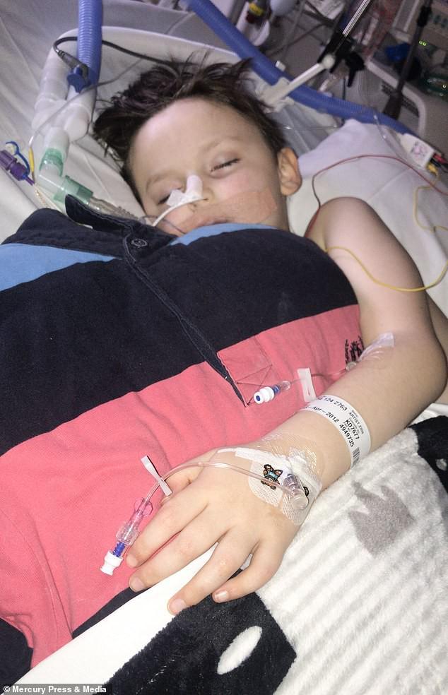 Bé trai 6 tuổi bị đau đầu, nôn mửa, rơi vào hôn mê vì thủ phạm là căn bệnh nguy hiểm mà cha mẹ nào cũng sợ-6