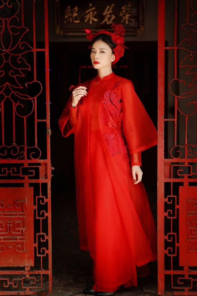 Ngô Thanh Vân rực rỡ sắc đỏ cùng thần thái sắc lạnh vạn người mê-1