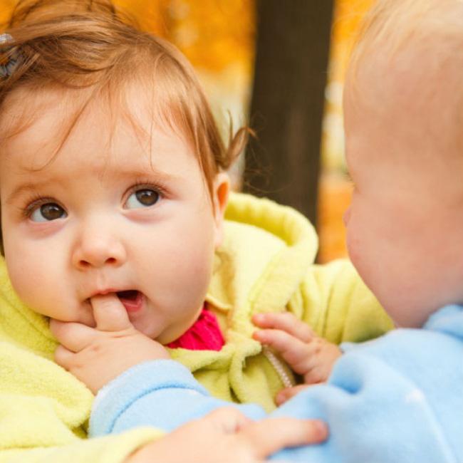 Cách xử lý triệt để khi bé con bỗng dưng lên cơn muốn cắn mọi thứ xung quanh mà các mẹ cần phải nhớ-2