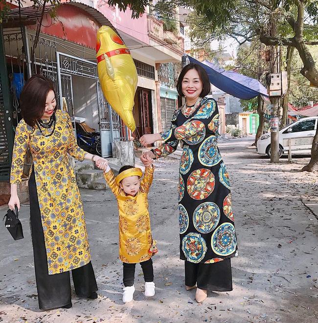 Người mẹ xinh đẹp ít ai biết của Ly Kute: Nhan sắc vượt thời gian, lấn át cả con gái trong những bức ảnh chụp chung-7
