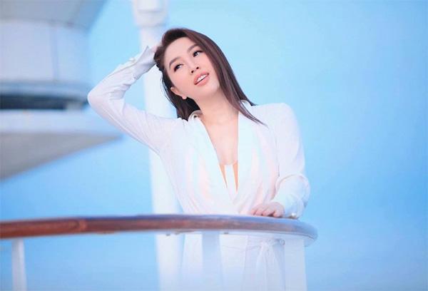 Bảo Thy khoe nhan sắc rạng rỡ với sắc trắng tinh khôi-3