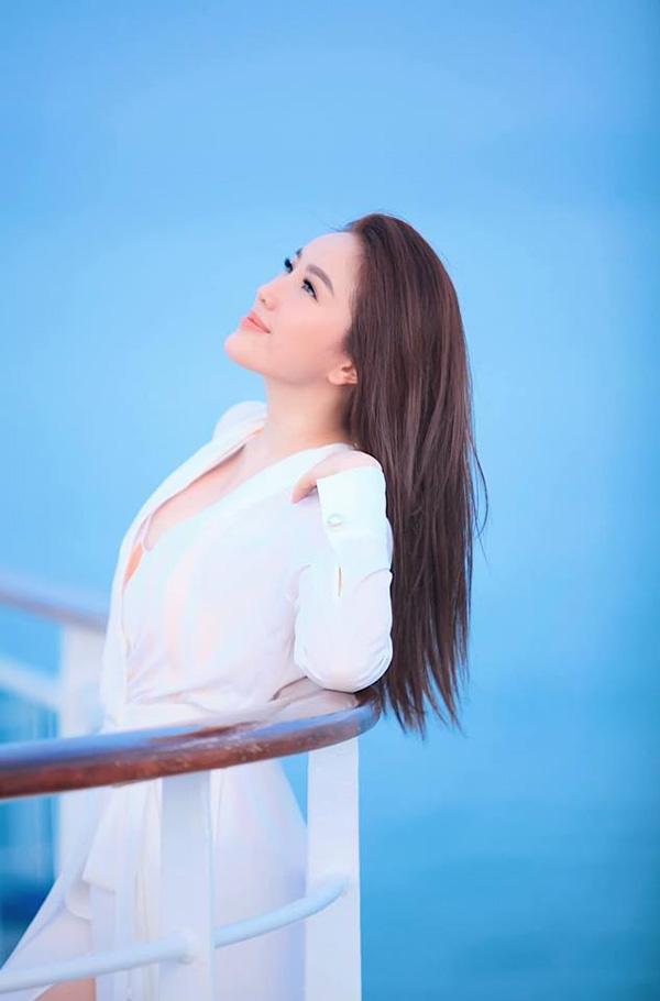 Bảo Thy khoe nhan sắc rạng rỡ với sắc trắng tinh khôi-13