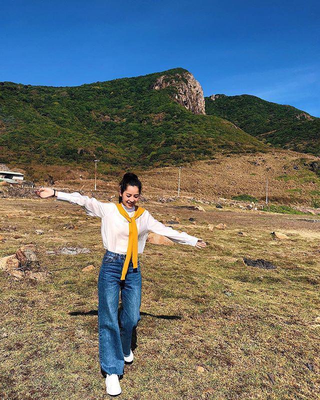 Thấp bé thì sao, cứ diện chuẩn như Hoàng Thùy Linh, Hòa Minzy là tăng cả 10cm chiều cao-18