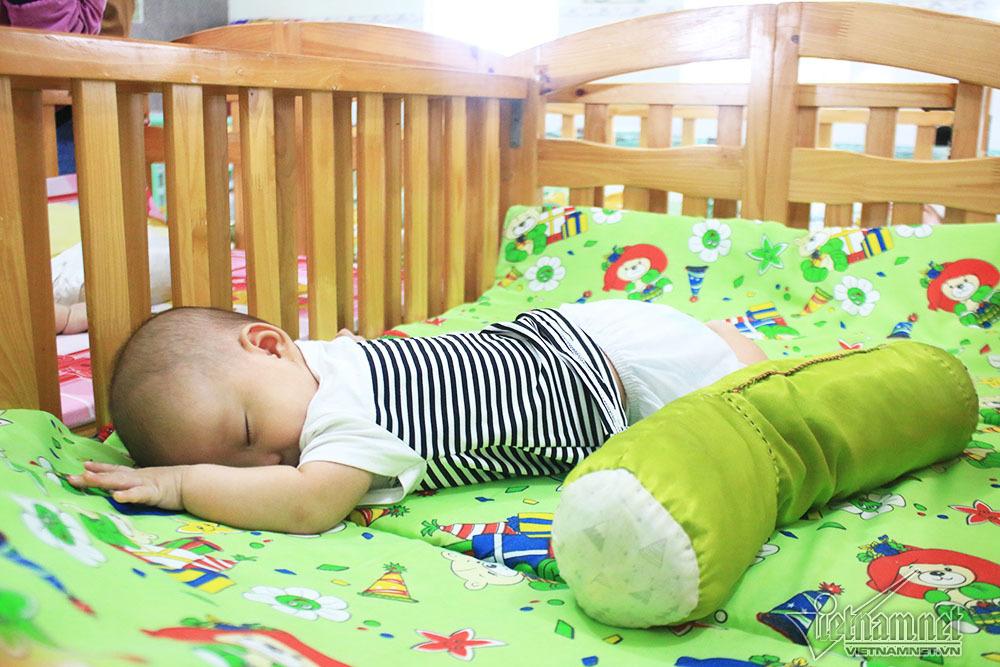 Cuộc điện thoại thay đổi số phận đứa trẻ sinh ra từ người mẹ tự tử-3