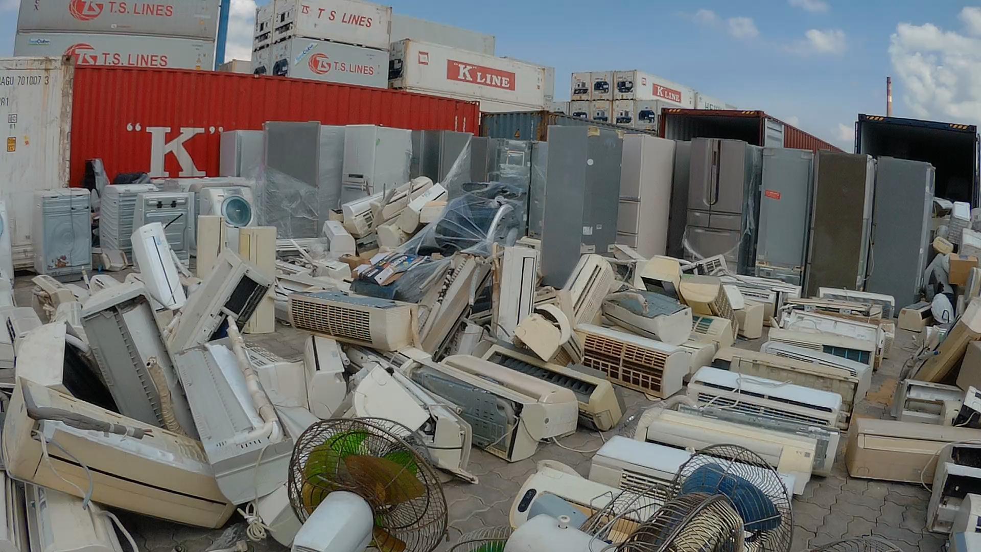 Bỏ 4 triệu mua nồi cơm điện Nhật cũ: Chồng cuồng hàng bãi, vợ phát hãi-2