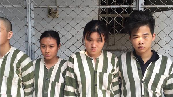 Giọt nước mắt muộn màng của 2 nữ sinh viên khi cùng bạn trai dàn cảnh mua hàng online để trấn lột, cướp tài sản ở Sài Gòn-3