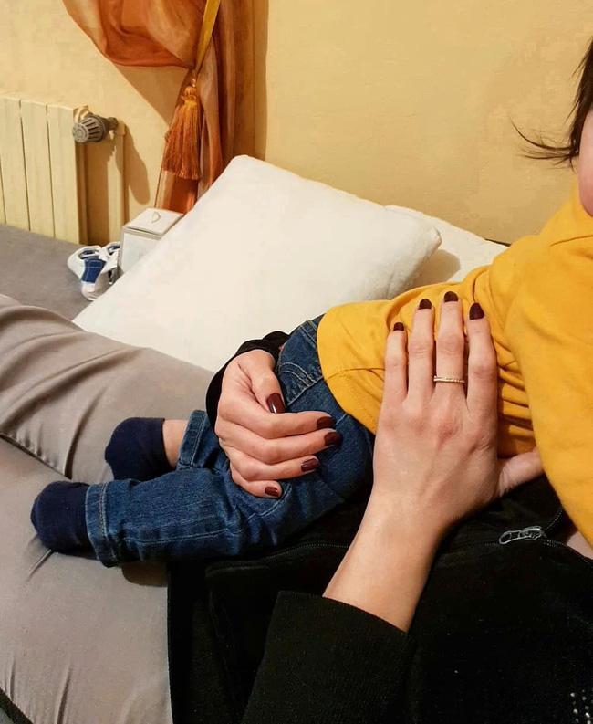 MXH sốc với câu chuyện phát hiện chồng qua lại với gái karaoke, 4 tháng sau vợ làm một việc khiến gia đình rơi vào bi kịch-5