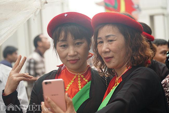 Thu hàng triệu đồng mỗi ngày nhờ cho thuê trang phục ở hội Lim-3