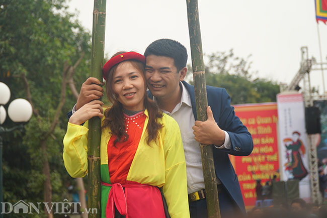 Thu hàng triệu đồng mỗi ngày nhờ cho thuê trang phục ở hội Lim-10