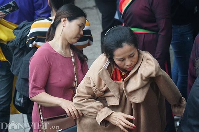 Thu hàng triệu đồng mỗi ngày nhờ cho thuê trang phục ở hội Lim-8