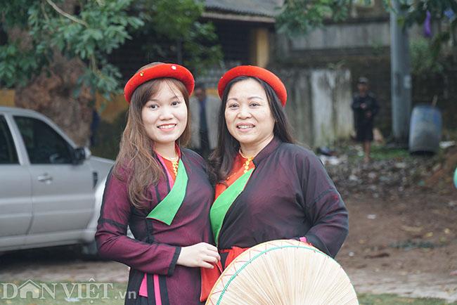Thu hàng triệu đồng mỗi ngày nhờ cho thuê trang phục ở hội Lim-9