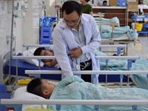 Hàng chục học sinh nhập viện sau bữa ăn trưa