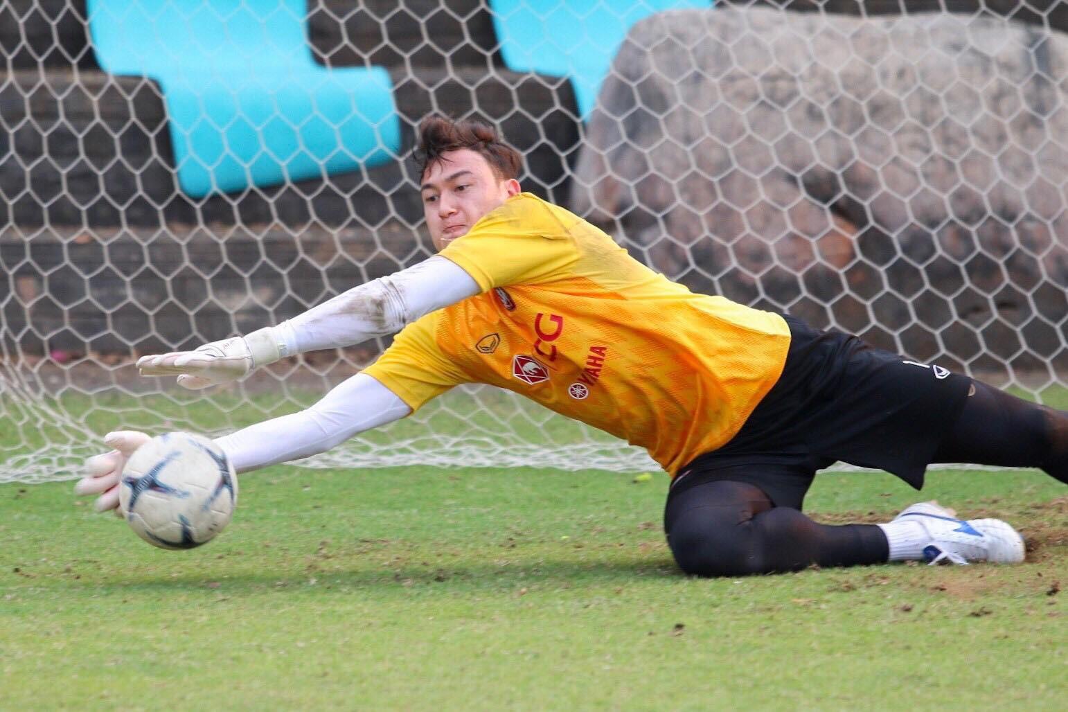 Đặng Văn Lâm mắc sai lầm ngớ ngẩn ở trận ra mắt Muangthong United-1